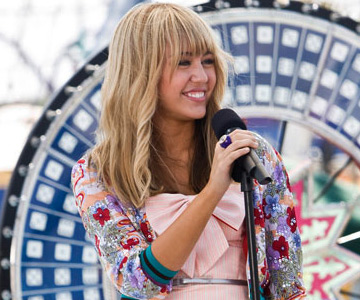 ... ordinary girl played by Miley Cyrus in the movie version of the hit TV ...