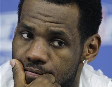 LeBron James' mother of a sex scandal Basketball Saloncom