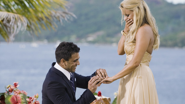 Who is ali dating from the bachelorette