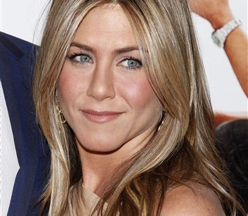 Women are on Team Aniston
