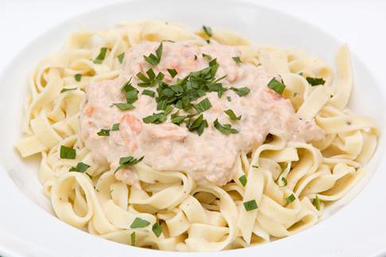 Lemon pepper pasta with creamy smoked salmon sauce recipe - Salon.com