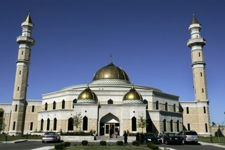 Police intercept Detroit mosque bomb plot