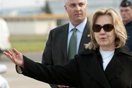 Clinton: Egypt must build on revolt