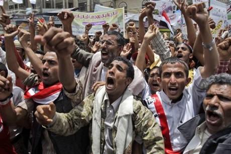 Powerful yemeni tribe turns guns against president for Salon yemenite