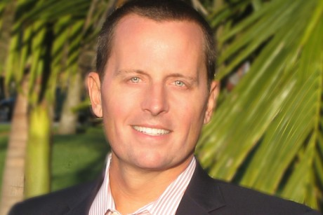 Romney spokesman quits after right-wingers freak out about his being gay