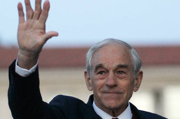 Ron Paul casts lot with extremists, conspiracy theorists