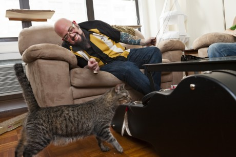 Jackson Galaxy gets cats