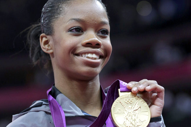 Photo of Gabrielle Douglas and her 2017 delicate make up style, products & tips