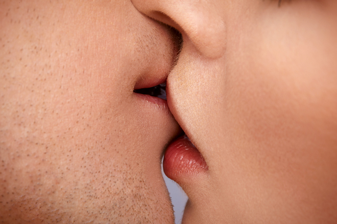 stor massage kissing