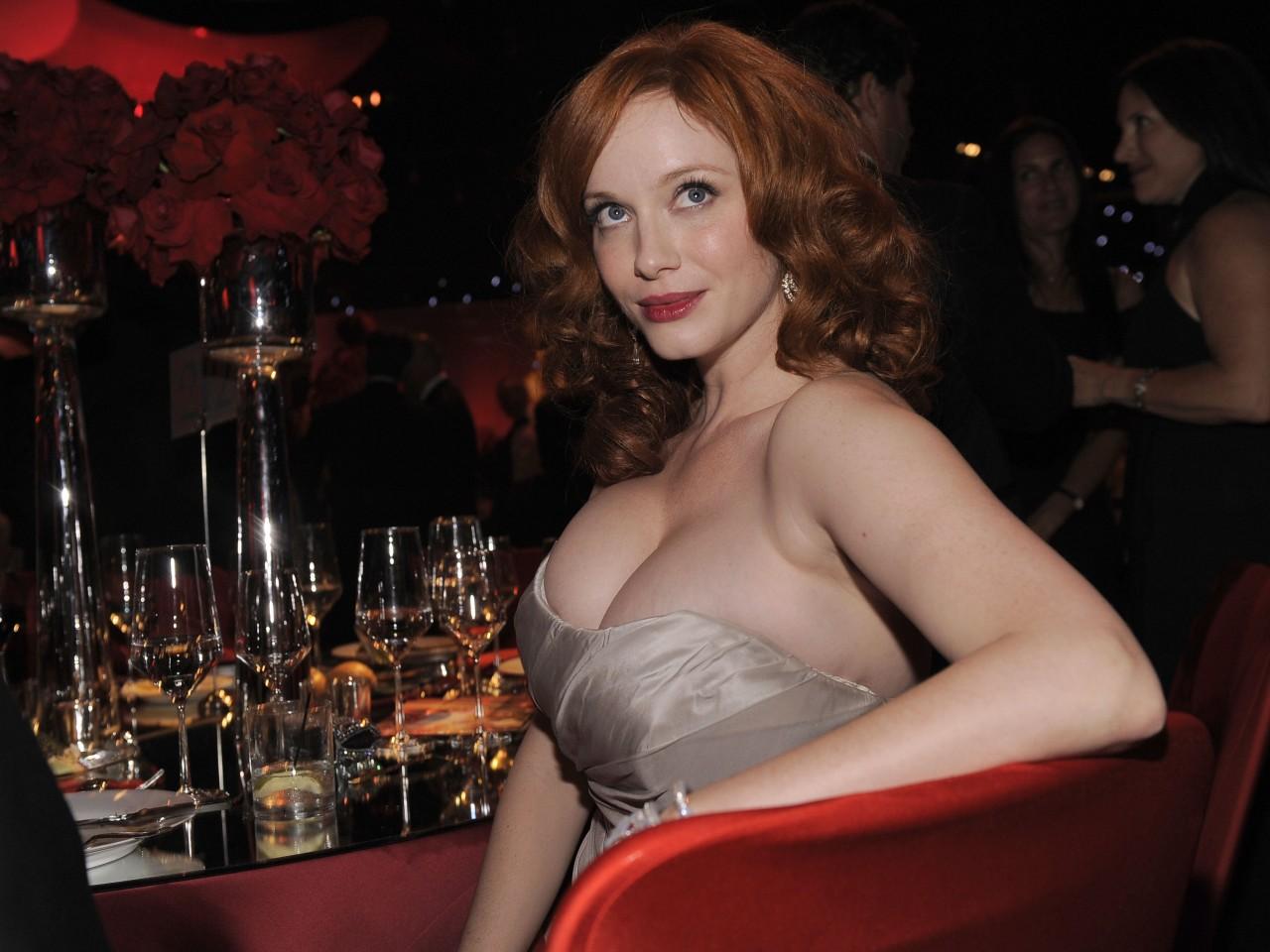 ... christina hendricks breasts cleavage the emmys entertainment news