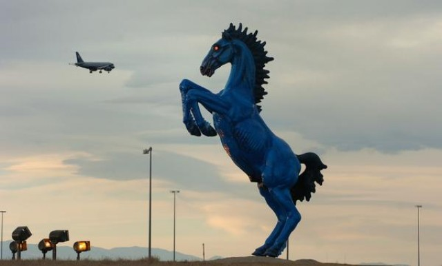 Buy Here Pay Here Denver >> Why is airport art so lame? | Salon.com