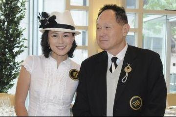 Un millonario paga 65 millones $ al hombre que enamore a su hija lesbianizada