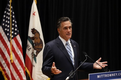 Romney looks to steady shaky campaign