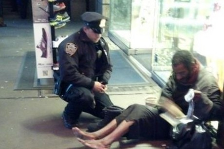 Cop gives boots to homeless man, becomes online sensation