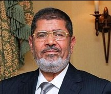 Egypt's Morsi defends new powers