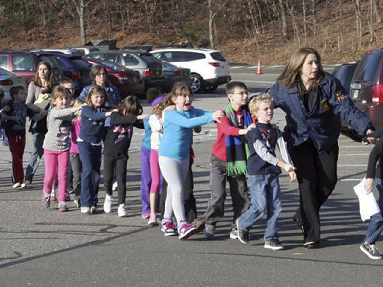 newtown school shooting school shooting guns connecticut shooting news