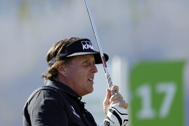 Phil Mickelson regrets whining about taxes