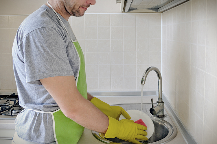 washing dishes to washing laundry essay Nobody likes to wash the dishes, but it doesn't have to be completely miserable try these tips the next time the dishes need washing in your rv washing dishes is never a fun chore this is true no matter where you are, but is even more so when you're in an rv a lack of a dishwasher, a tiny sink.
