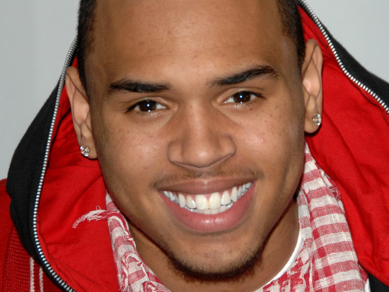 Chris Brown in car accident day before Grammy Awards ...