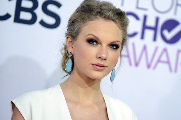 Taylor Swift disses Tina Fey and Amy Poehler