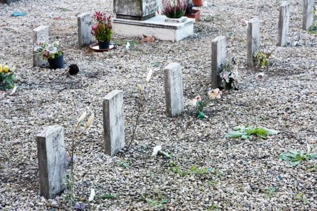California mortuary buries wrong woman