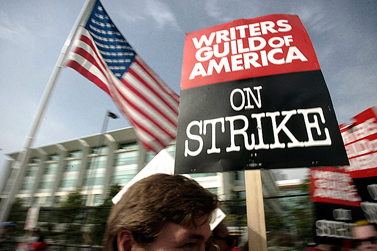 Threat of writers' strike hovers over Hollywood