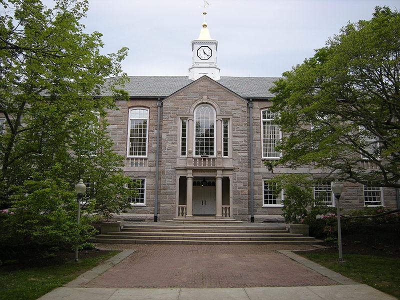 Possible gunman on University of Rhode Island campus - Salon.com