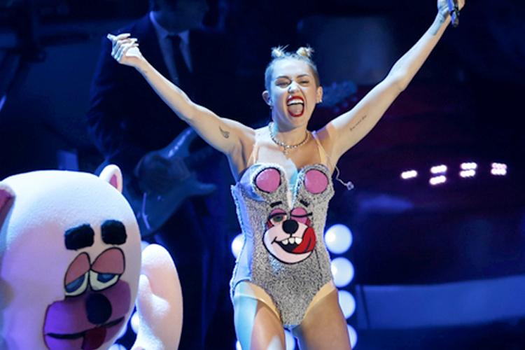 Miley Cyrus Public Sex