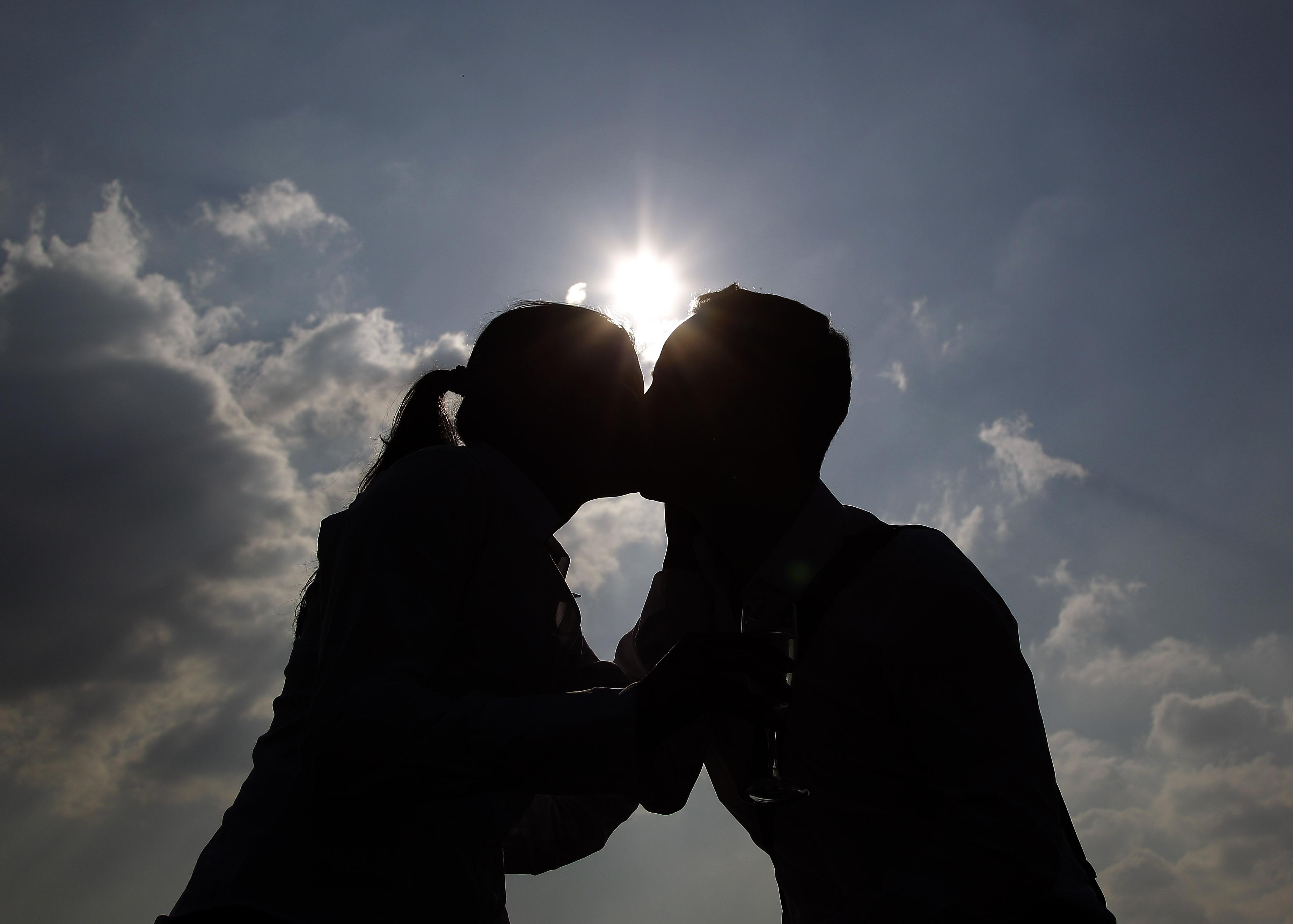 Study: Long-distance relationships might work better | Salon com