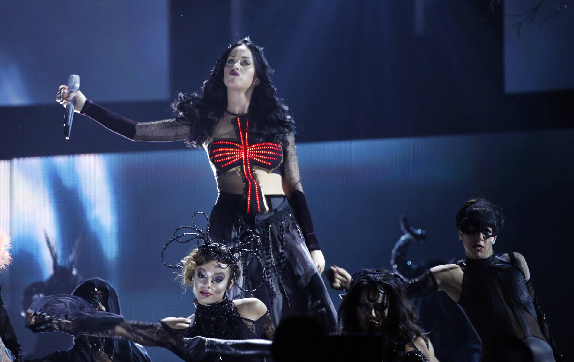 """Katy Perry's performance of """"Dark Horse"""" was…interesting ..."""