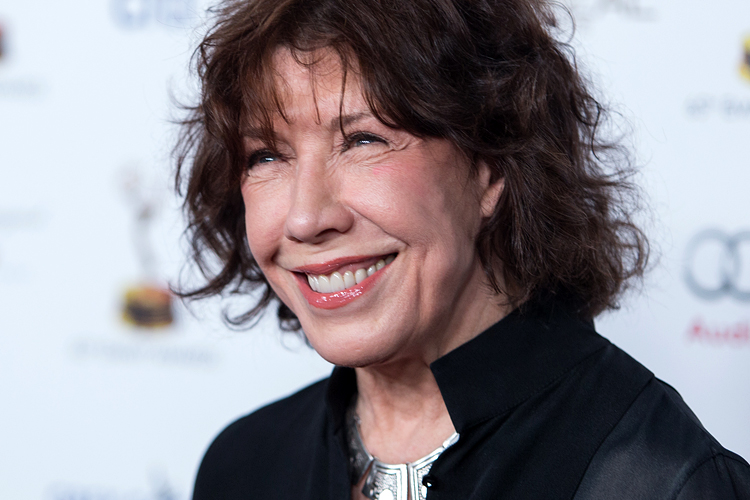 lily tomlin jason schwartzmanlily tomlin young, lily tomlin jason schwartzman, lily tomlin david o'russell, lily tomlin stand up, lily tomlin wedding, lily tomlin tattoo, lily tomlin films, lily tomlin russell fight, lily tomlin mbti, lily tomlin dolly parton friends, lily tomlin wife, lily tomlin meryl streep, lily tomlin and that's the truth, lily tomlin movies, lily tomlin harry potter, lily tomlin jane fonda movies, lily tomlin dustin hoffman, lily tomlin youtube, lily tomlin net worth, lily tomlin partner