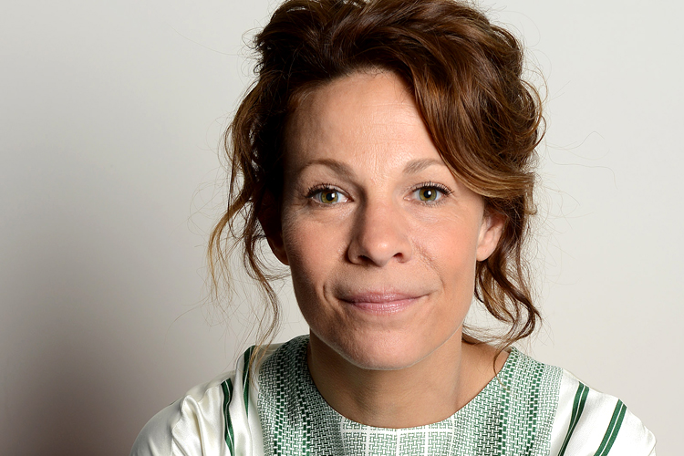 Lili Taylor say anything