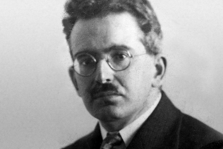 """walter benjamin unpacking my library essay Departing from walter benjamin's famed essay on """"unpacking the library,""""  manguel writes of the heartbreaking challenge of boxing up the."""