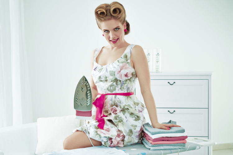 This mother s day amazon thinks i am a 1950s housewife for Classic 50s housewife