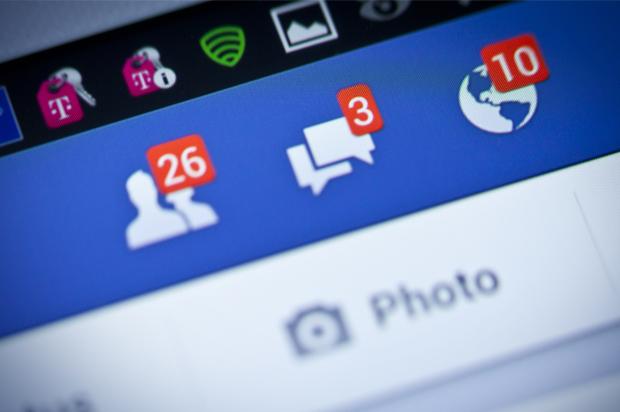 http://media.salon.com/2014/06/facebook_friends.jpg
