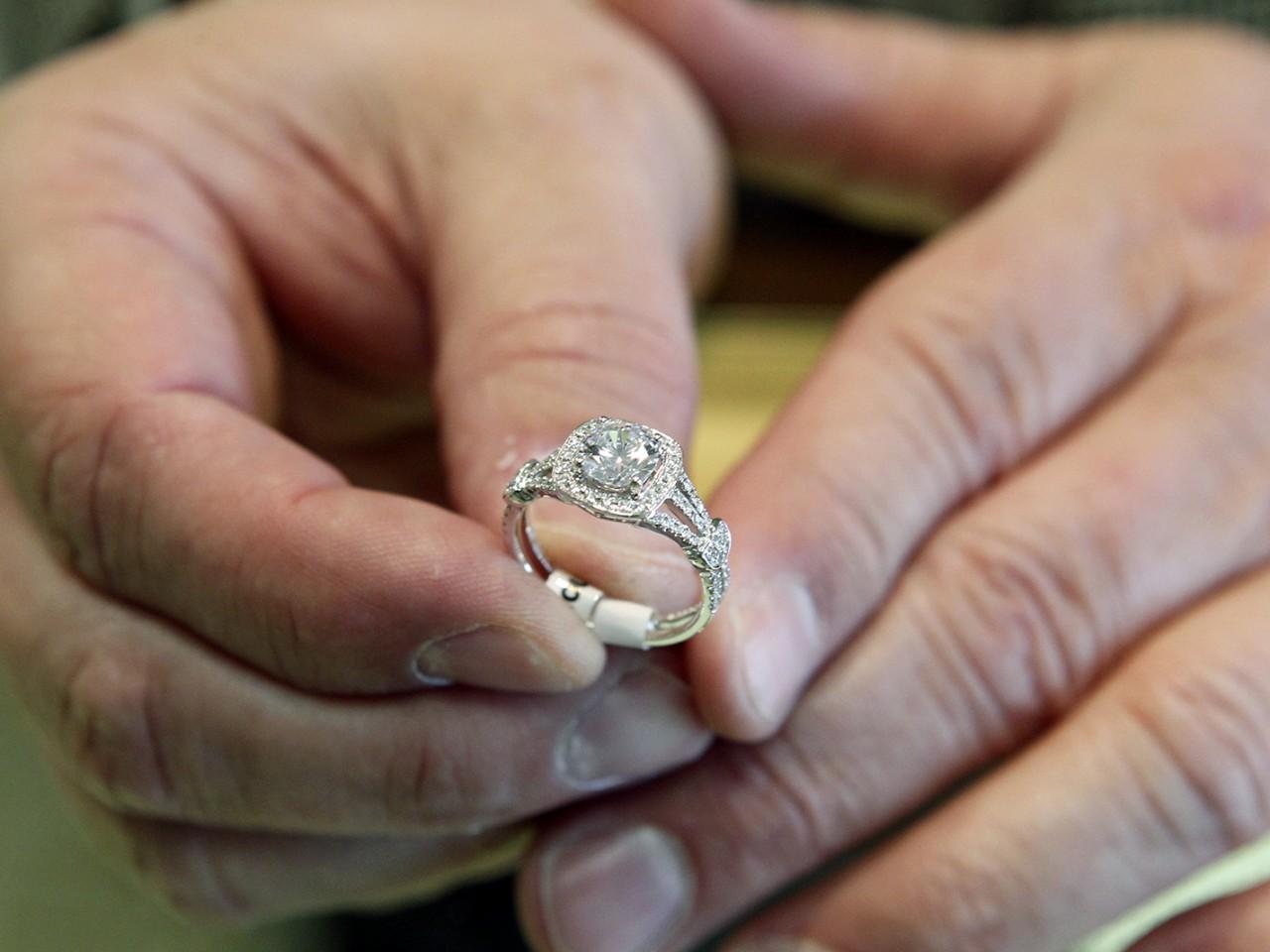 ... Hillary Clinton Enement Ring 5 Enement Ring Ing Tipshillary Clinton  Wedding Ring ...