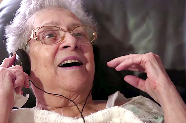 """Alive Inside"": Music may be the best medicine for dementia"