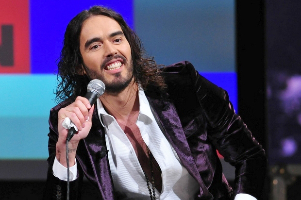 Russell Brand absolutely demolishes Fox News over Ferguson coverage