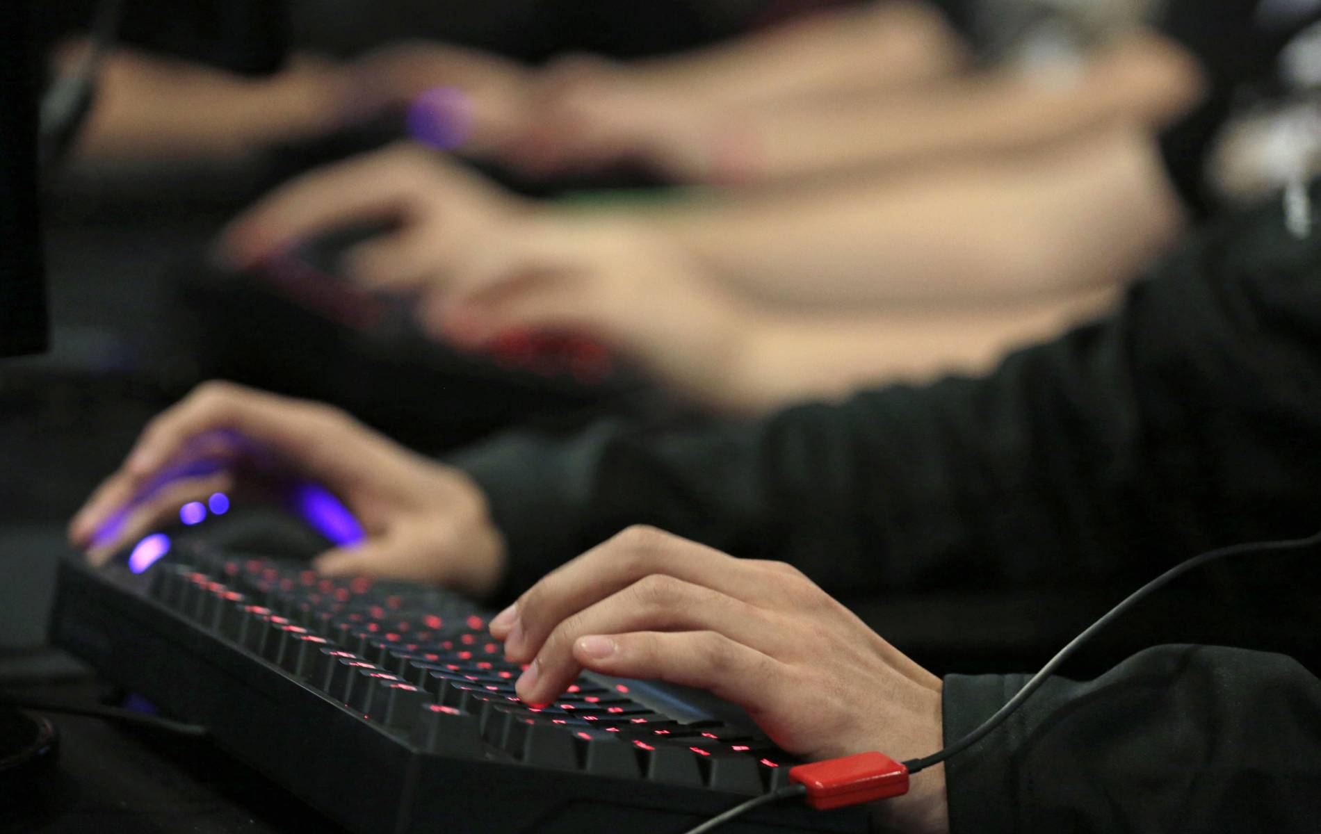 computer game addiction essay Computer game addiction develops in much the same way as any other kind of addiction an addiction to computer games will cause you to neglect important aspects of your life nowadays, most everyone knows someone who loves to play computer games, whether online or offline.