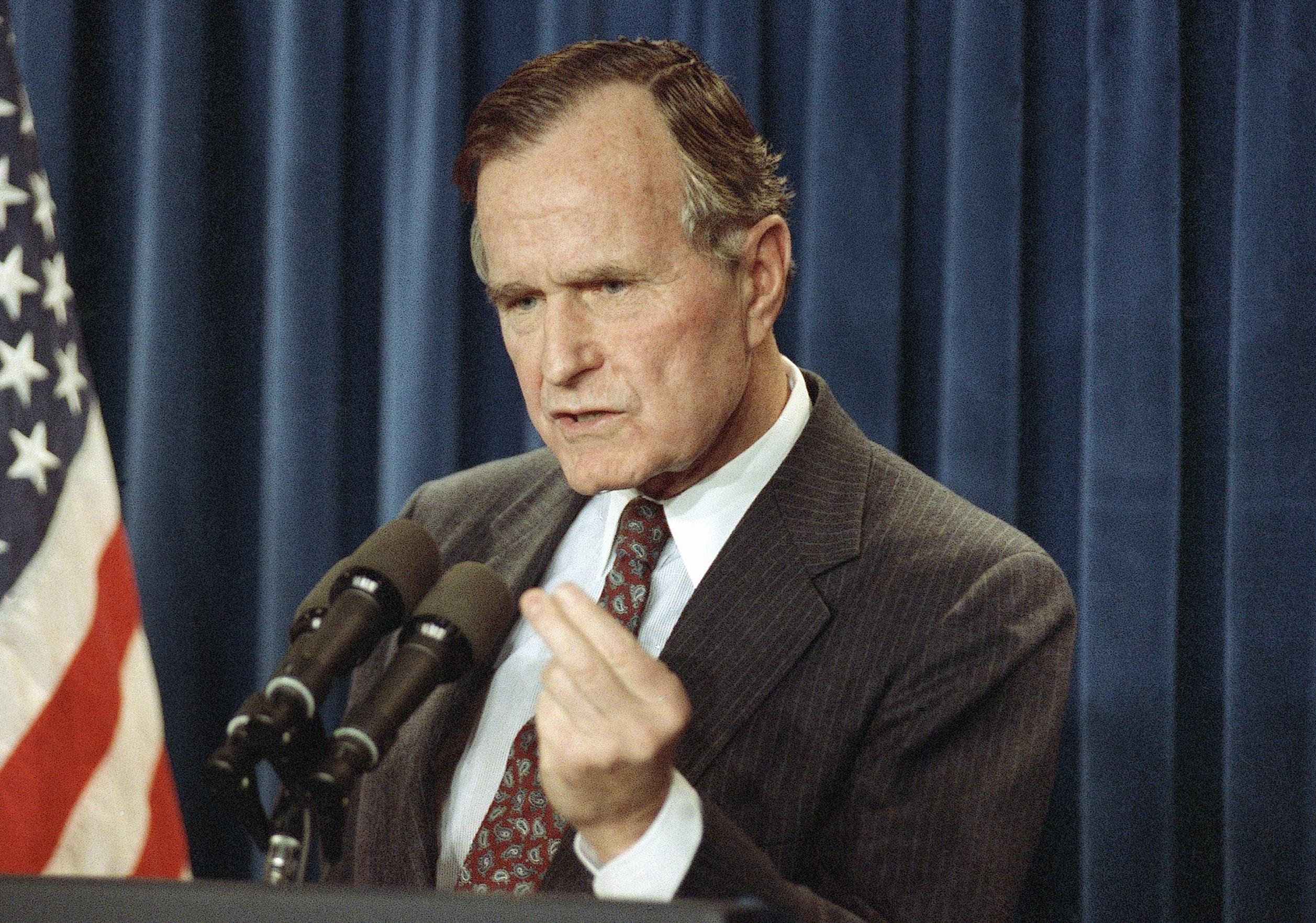 Elite secret society tied Bush to circles of power   Salon com