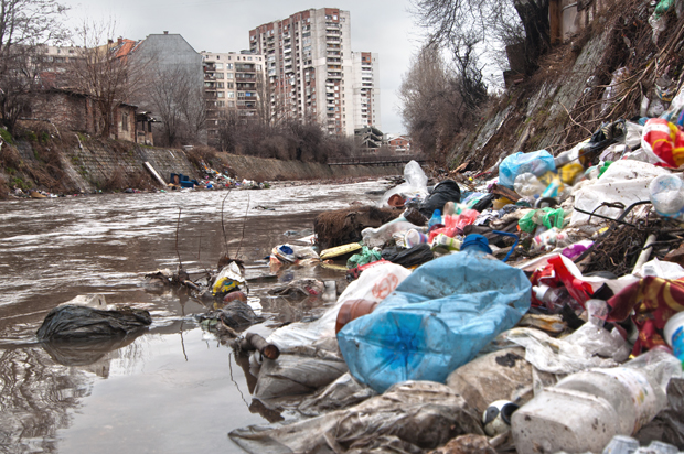 polluted_river