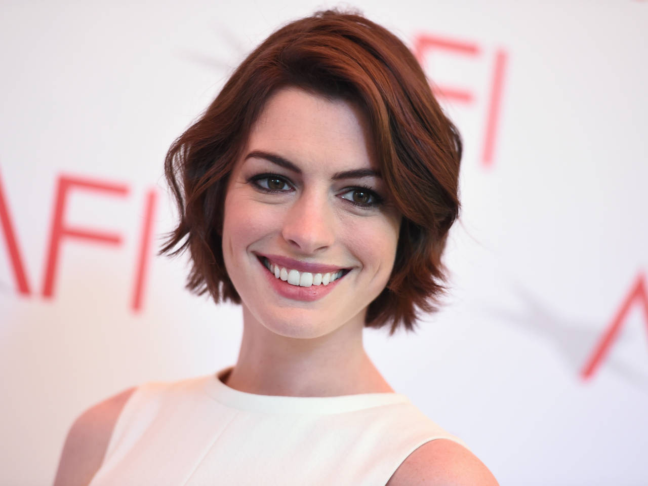 At 32, Anne Hathaway is already losing roles to younger actresses