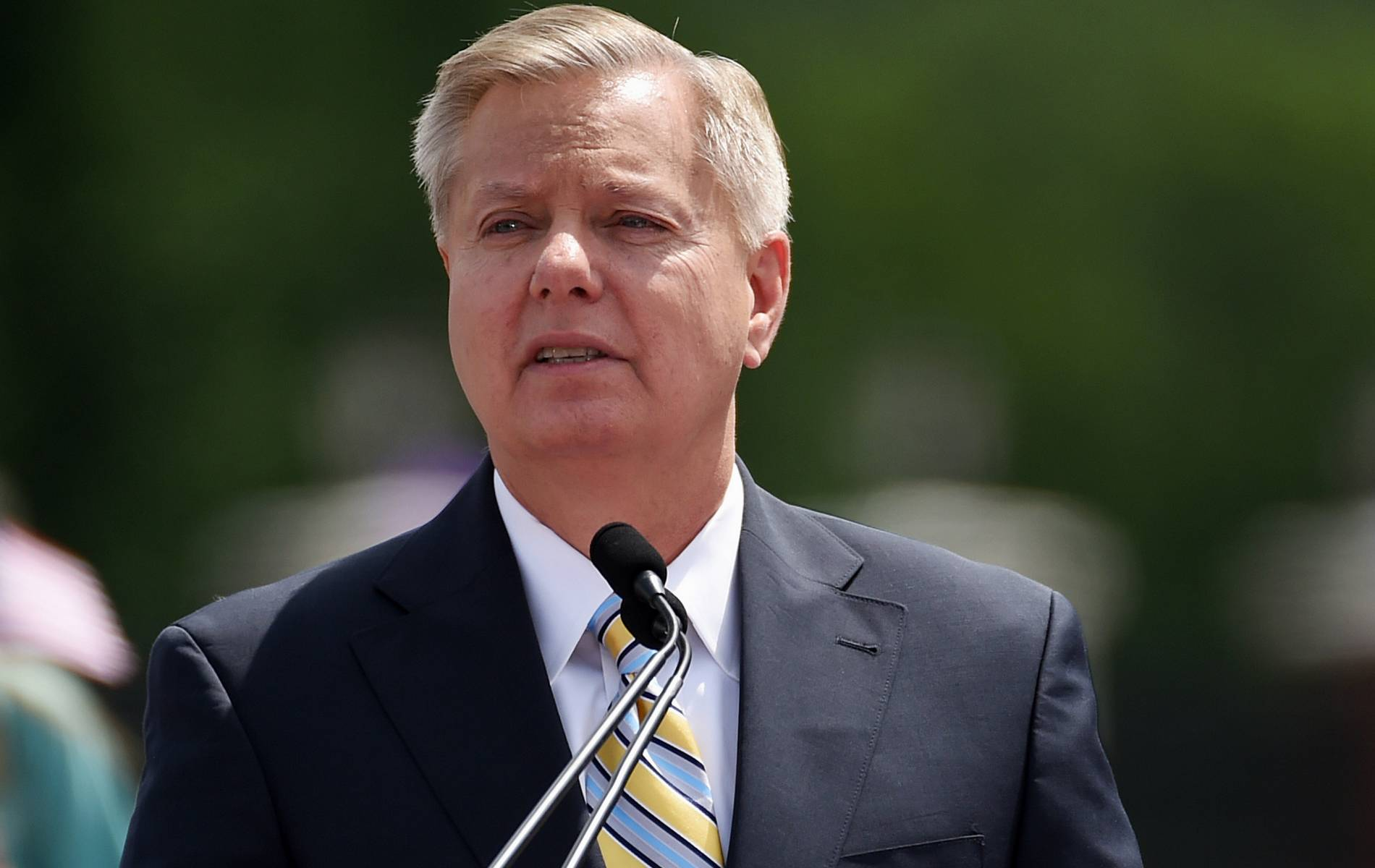 Lindsey Graham Attacks Untrustworthy Hillary Clinton