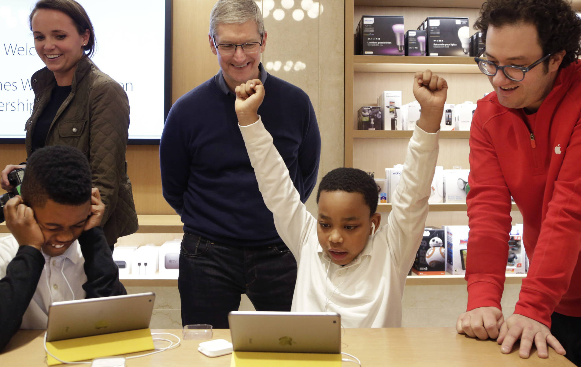 Apple CEO Tim Cook pens open letter to FBI: We will not build a backdoor into iPhone, not even to investigate terrorists