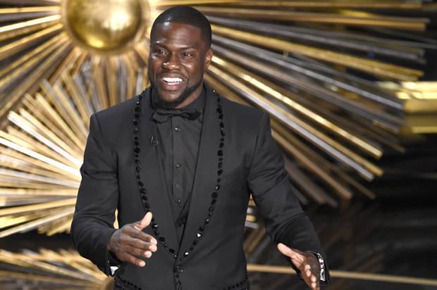 "Kevin Hart mocks #OscarsSoWhite on stage: This year, ""I ..."