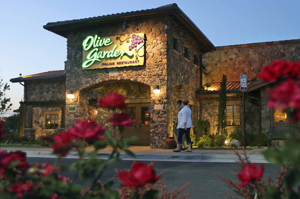 Olive Garden Has Unlimited Breadsticks Also Lots Of