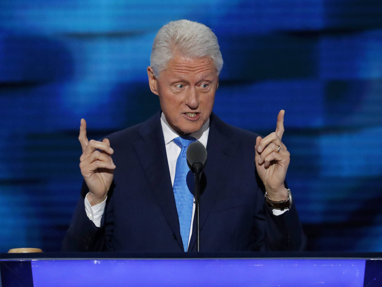 the early political and social life of bill clinton Former secret service agent dan bongino has undoubtedly garnered his share of dirt on the political class while serving the clinton administration.