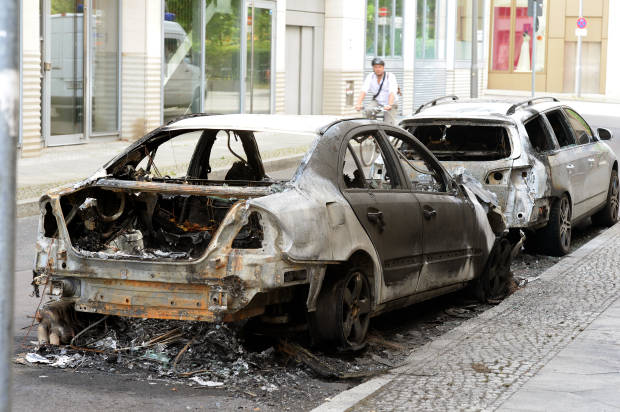 Berlin condemns riots that injured scores of officers