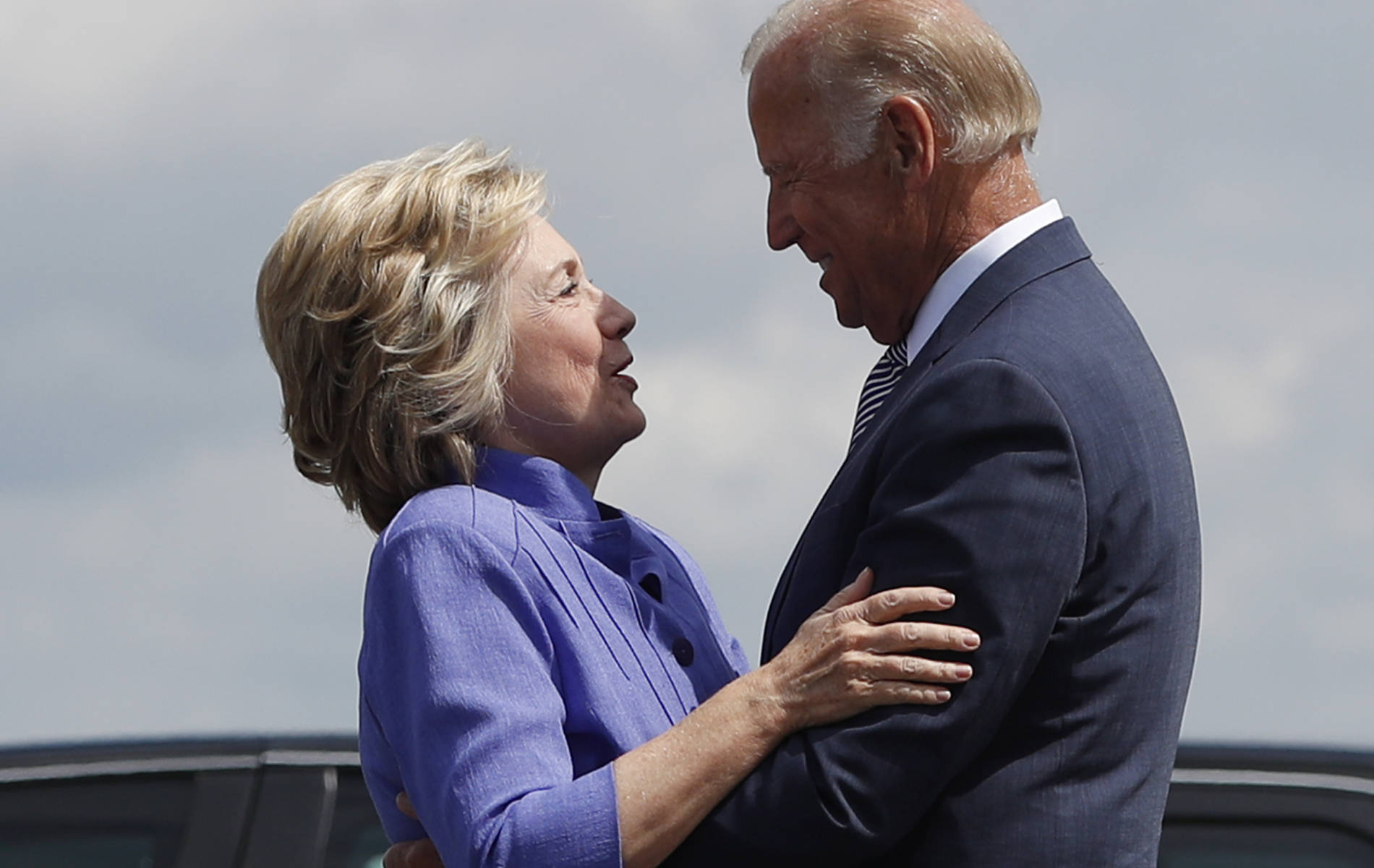 Donna Brazile wanted to replace Clinton with Joe Biden as Democratic nominee: Report