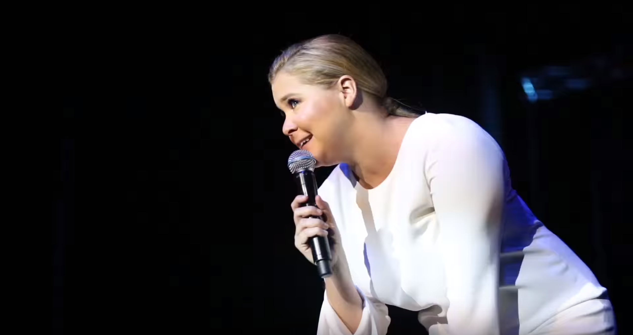 Amy Schumer Tit Pics amy schumer is our hero: watch her kick out sexist heckler